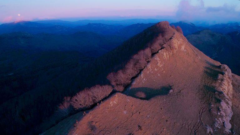 "14 Grupo de maquis en la cima de Comanegra para la grabación de ""Cisquet i el seu germà"" (enero 2020) | © Marc Planagumà Guàrdia"