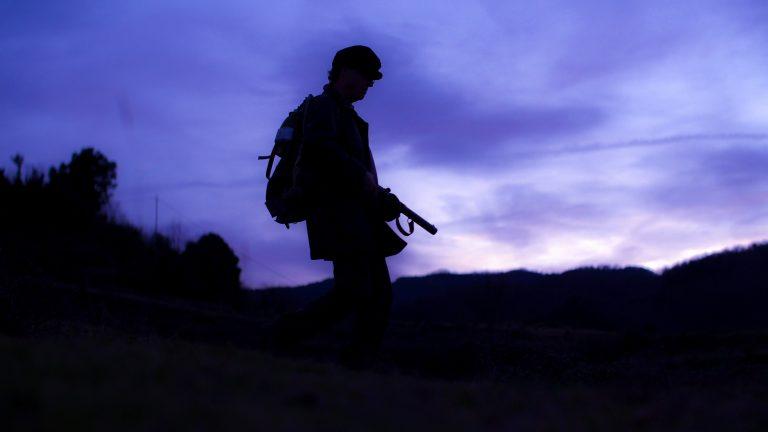 07 Recreación de un guerrillero caminando al atardecer | © Marc Planagumà Guàrdia